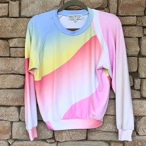 WILDFOX COLORFUL SOFT SWEATER SMALL🌟